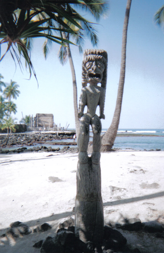 One of the Ki'i (Wooden guardians) At Place of Refuge