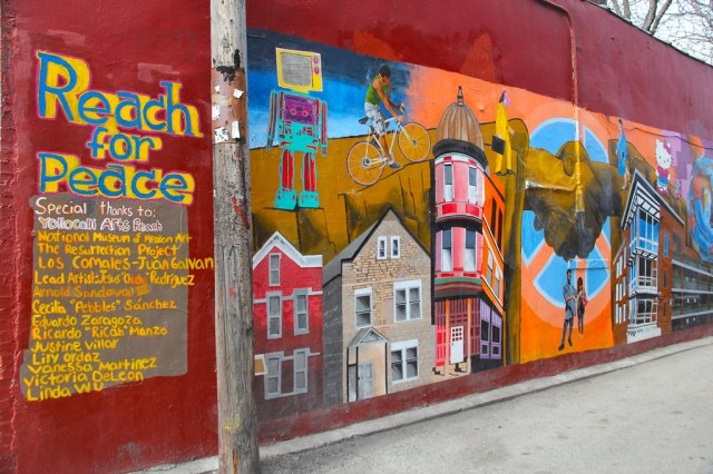 This image has an empty alt attribute; its file name is pilsen-smart-communities-murals-by-danxoneil.jpg